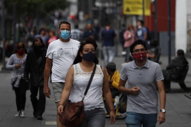Människor promenerar i centrala Mexico City.
