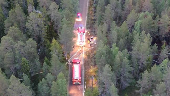 Räddningsverket fick rycka ut till Skabbskär i Larsmo då det började brinna i skogen igen.