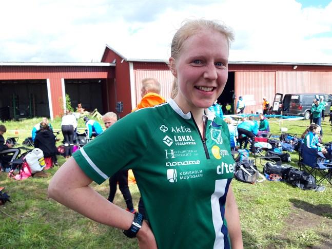 Femmans Julia Järveläinen bär favoritskapet i damklassen när ÖIDM i sprint avgörs i Karleby på söndag.