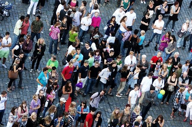 Konstens natt brukar betyda folkvimmel på gator och torg. I sommar siktar arrangörerna på att ordna mindre programpunkter på olika håll i staden.