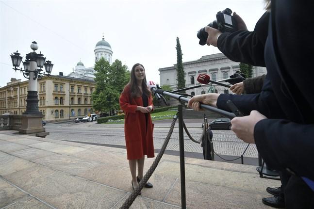 Statsminister Sanna Marin (SDP) ledde förhandlingarna på Ständerhuset på tisdagen. Regeringen förbereder sig på att luckra upp alla restriktioner från och med första juli.