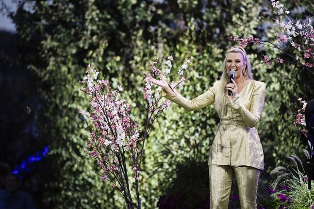 """Sanna Nielsen är tillbaka som programledare i """"Allsång på Skansen"""". I år uppträder hon och programmets gäster utan publik på plats. Arkivbild."""