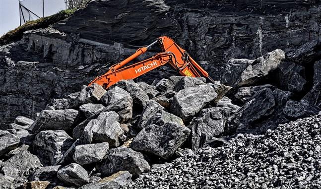Metso Minerals inleder samarbetsförhandlingar som berör över 200 personer. En minskad efterfrågan på bolagets gruvprodukter uppges vara en av orsakerna till samarbetsförhandlingarna.