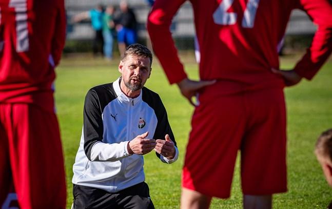 Niklas Käcko gillade inte Jarospelarnas inställning vid AC Oulus 2–1-mål.
