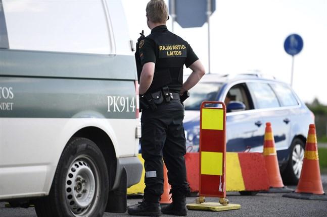 Regeringen väntas fatta beslut om att stegvis öppna Finlands gränser för fritidsresor från vissa Schengenländer.