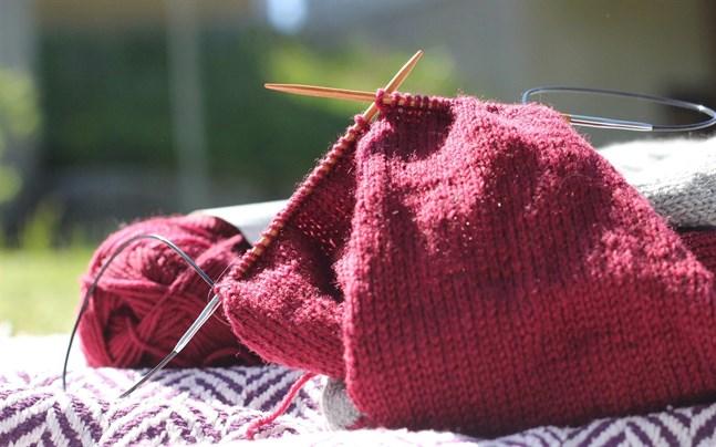 På lördag kan hantverksentusiaster sammanstråla på Juthbackas sticknings picknick.