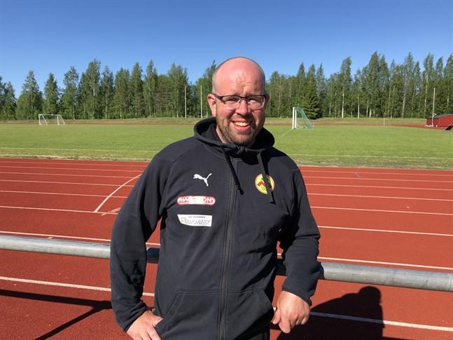 Magnus Slottes damlag öppnade poängkontot.