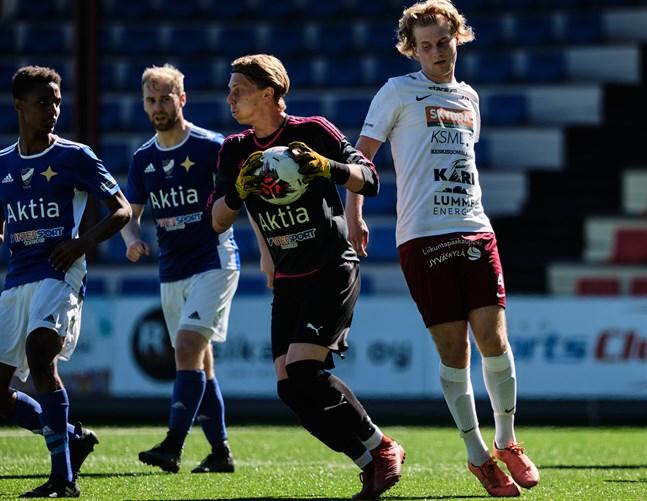 VPS-målvakten Rasmus Leislahti vaktade buren för VIFK i andra halvlek.