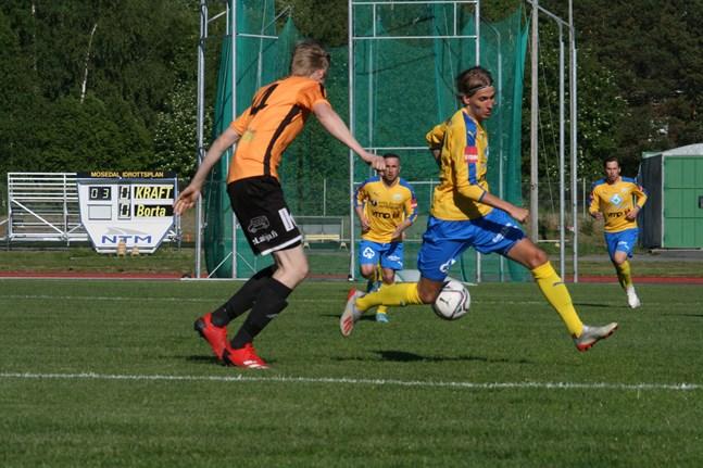 Kraft gjorde fem mål mot Sääripotku i premiären. Ett av dessa gjorde Oskar Ivars som fick spela i anfallet från start.