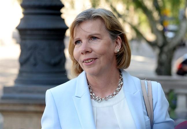 Justitieministern och SFP:s partiordförande Anna-Maja Henriksson ser ingen orsak till oro för Kronobyborna på grund av det nya förslaget till vårdreform.