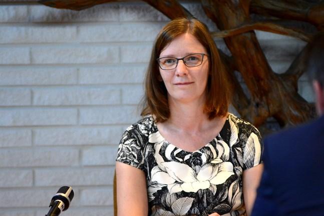 Närpes nya stadsdirektör heter Mikaela Björklund.