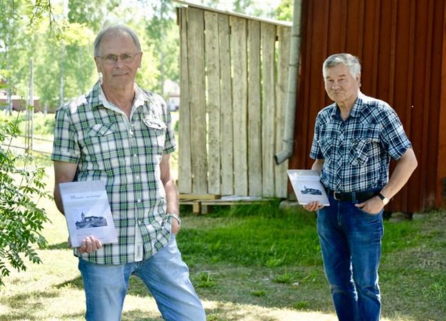 Munsala hembygdsförening lanserar boken Munsala - min hembygd. Stefan Nyholm och Olof Wik hoppas att den ska väcka intresse för hembygdens historia.