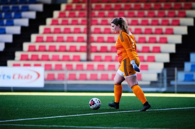 Emma Lähteenmäki såg till att FC Sport-j slapp åka hem utan poäng.