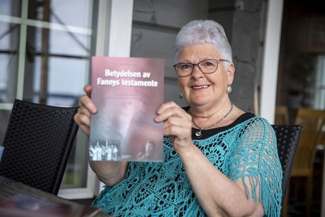 Marita Bagges senaste bok är klar. Det är en fortsättning på Testamentet som utkom 2001. I den nya boken presenterar hon några av dem som mottagit stipendier ur Fannys Smeds fond.