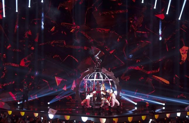 Nästa år blir förinspelad bakgrundssång tillåtet i Eurovision Song Contest.