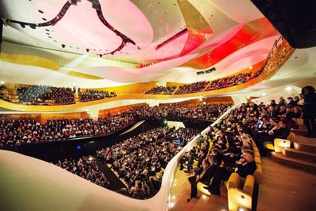 24-årige Klaus Mäkelä blir ny chefsdirigent för Orchestre de Paris efter Daniel Harding. Arkivbild.