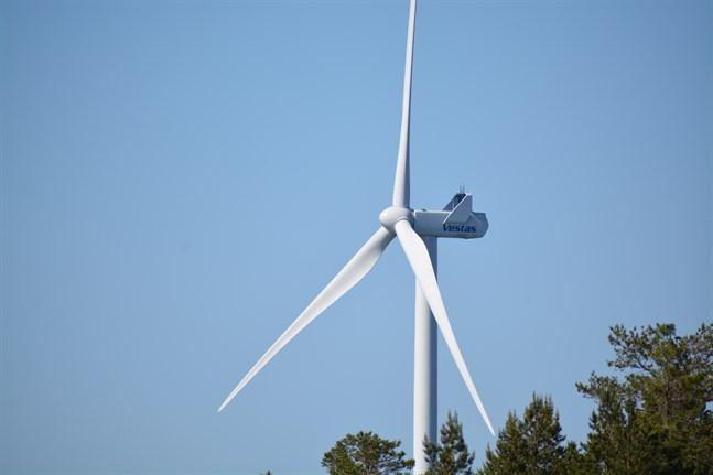 Vindkraft är enligt skribenten bra, men inte på bekostnad av människors trivsel.