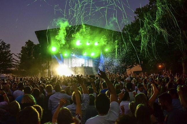 Festivalen Rockoff i Mariehamn skulle ordnas den 17-25 juli. På tisdagen meddelade arrangörerna dock att årets festival ställs in.