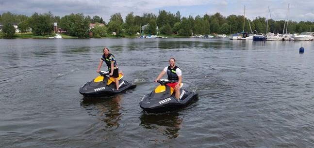 Nicky Haldin och Miika Ojala driver tillsammans företaget West Coast Adventures.