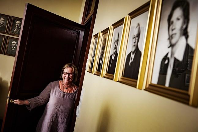 Hej då Jakobstad. Kristina Stenman gör sin sista arbetsvecka som stadsdirektör.