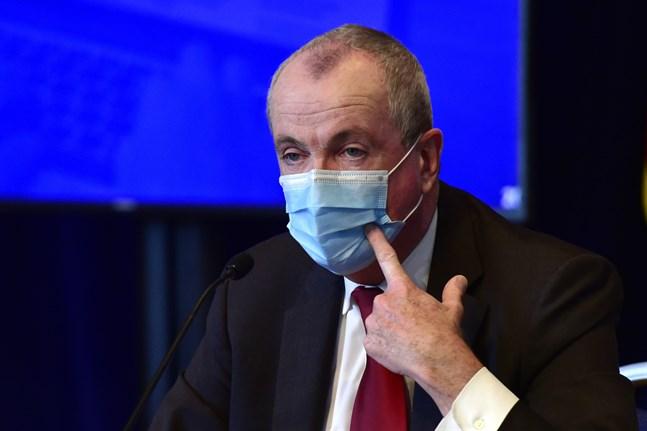 """New Jerseys guvernör Phil Murphy säger att invånarna i området redan varit igenom """"skärelden"""", och att de vill minimera risken för en andra virusvåg genom att låta inresande från nu hårt drabbade stater självisolera sig. Arkivbild."""