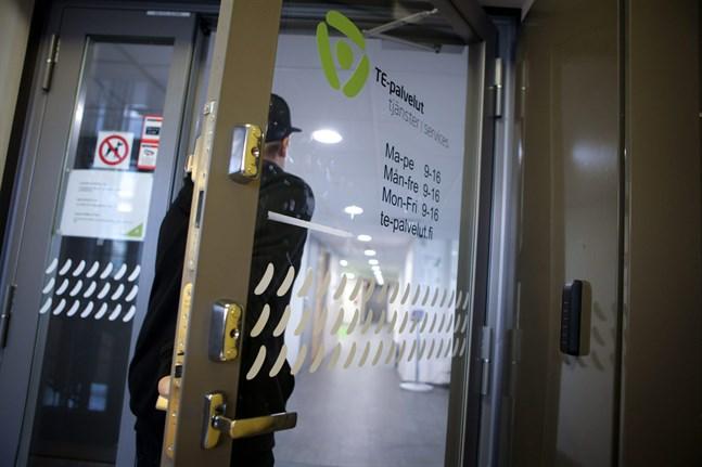 I maj fanns det 14004 arbetslösa arbetssökande i området som hör till Österbottens NTM-central.