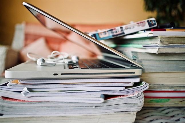 Enligt Helsingin Sanomat har universitetsstuderanden avlagt sammanlagt 45 000 poäng mer än motsvarande tid förra året.
