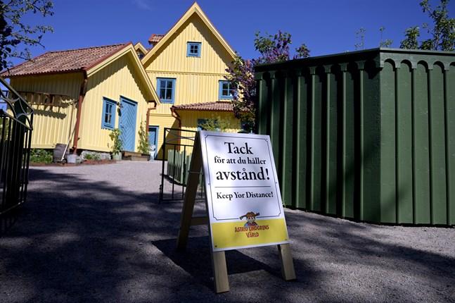 Astrid Lindgrens värld kan inte fortsätta att ha öppet utan får stänga för säsongen.