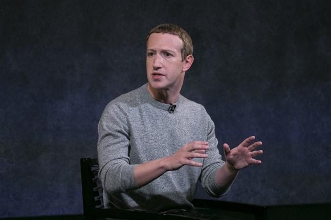 Facebooks vd Mark Zuckerberg har ändrat sig om märkningar av inlägg på plattformen. Arkivbild.