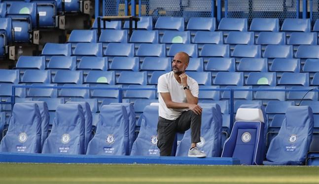 Manchester Citys tränare Pep Guardiola lovar att hylla mästarlaget Liverpool när de kommer till Manchester.