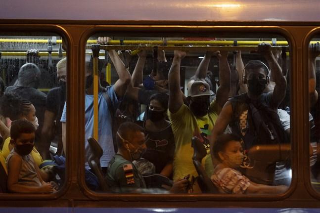 Pendlare i staden Rio de Janeiro i Brasilien. Arkivbild.