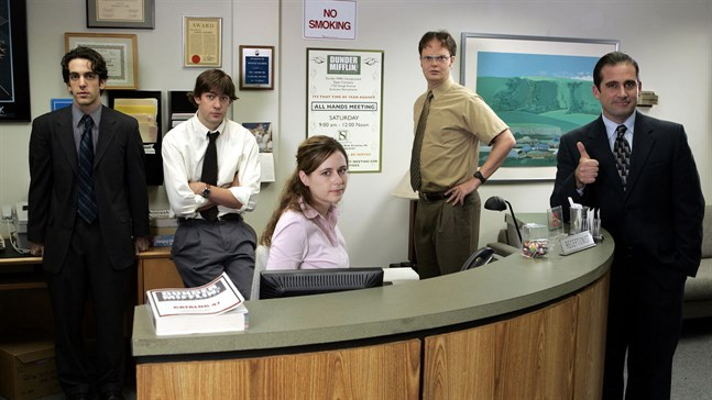 """Några av de fiktiva medarbetarna i den amerikanska komediserien """"The office"""". Arkivbild."""