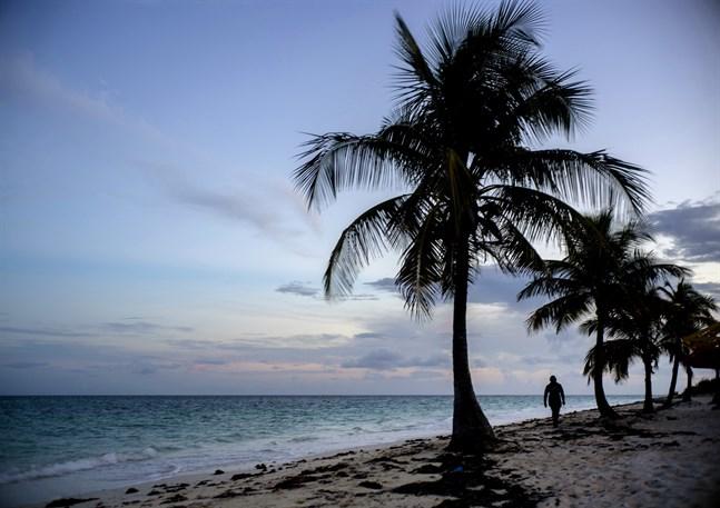 Blir det klartecken att resa till fjärran paradisstränder från och med onsdag? Arkivbild från Freeport, Bahamas.