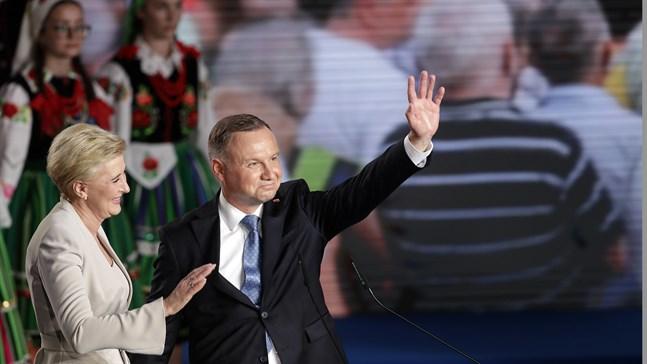 Polens president Andrzej Duda och hustrun Agata Kornhauser-Duda på söndagen.