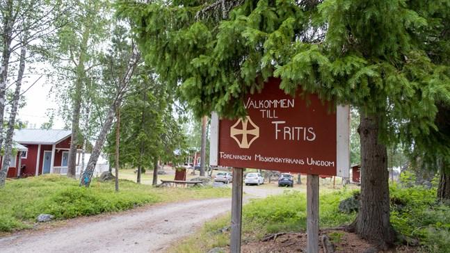 Här på Utterö fritidsgård i Sundom, Vasa, ordnar FMU sommarläger för barn och ungdomar. Efter förra veckans händelse har föreningen uppdaterat lägergårdens säkerhetsplan.