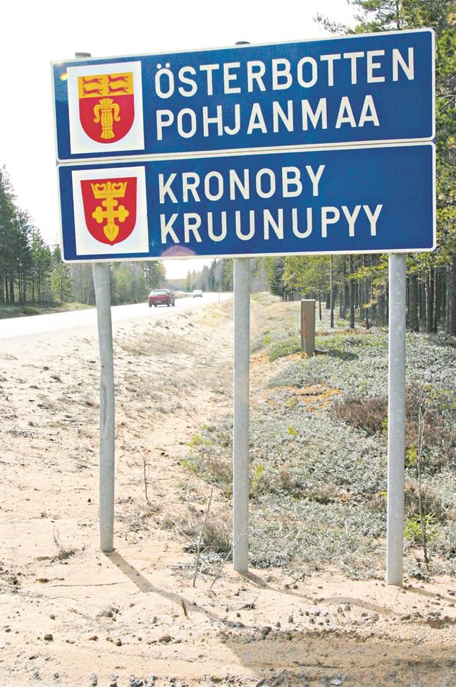Landskapsbyte vore det bästa. Om Kronoby styr mot Vasa blir det nog för min egen del att flytta till Karleby, skriver Bengt Hästbacka.