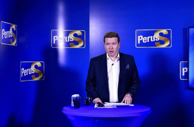 Ville Tavio, ordförande för Sannfinländarnas riksdagsgrupp, är kritisk till regeringens EU-politik.