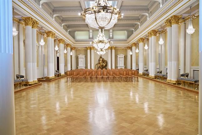 Presidentens slott var senast öppet för allmänheten i september 2019 då republiken Finlands regeringsform fyllde 100 år.