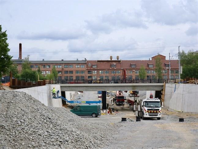 Även om planering och förverkligande av en underfart vid Sikören är en typ av projekt man inte sysslar särskilt ofta med inom staden har processen löpt smidigt.