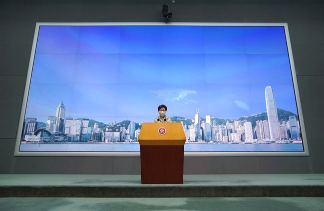 Carrie Lam på sin veckoliga presskonferens.