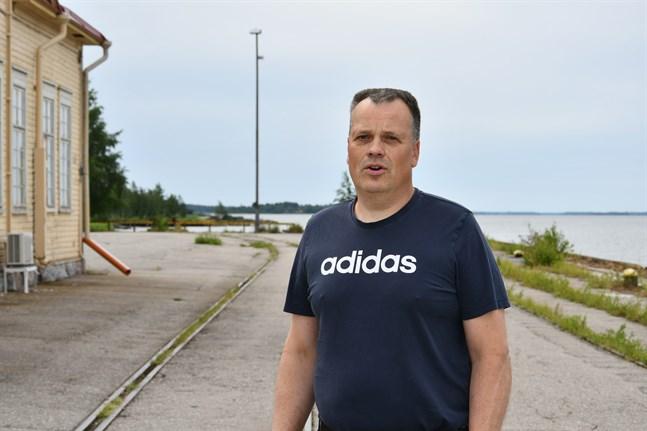 Ordförande för den nya planläggningssektionen Petri Pihlajaniemi hoppas på bostäder i inre hamnen.