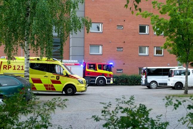 Flera enheter ryckte ut när räddningsverket fick larm om en brand i ett bostadsområde i Dragnäsbäck.