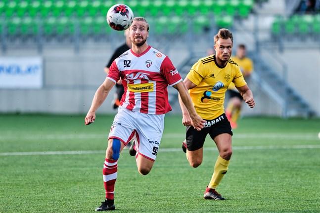Petteri Jokihaara (t.v) gjorde GBK:s andra mål i matchen mot Vasa IFK.