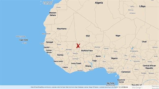 Minst 30 människor har dödats i attacker mot avlägset belägna byar i Mali.