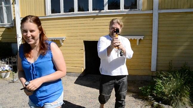 Det blev ingen sommarteater på Torgare för Sarah Nedergård och Frank Berger det här året. I stället spelade de in en dramatiserad guidning med Isa Lindgren-Backman (som inte syns på bild) som regissör.