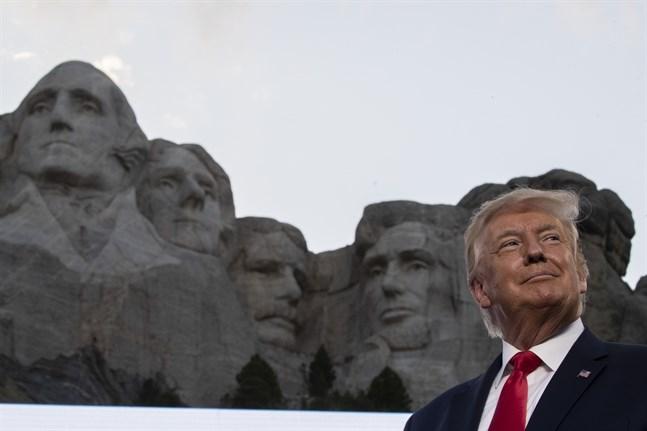 President Donald Trump höll tal vid Mount Rushmores nationalmonument i Keystone, South Dakota på fredagen lokal tid.