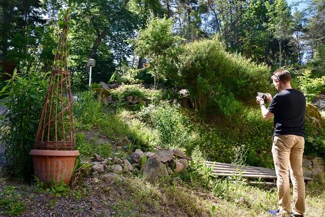 I år har privatpersoner också fått välja att filma sina trädgårdar i stället för att öppna dem för besökare.