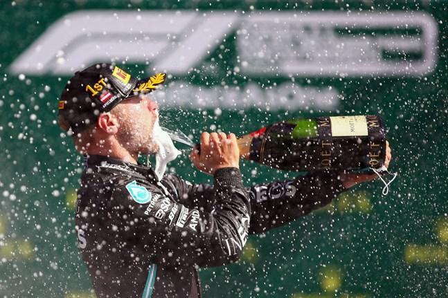 Valtteri Bottas fick korka champagnen i Österrike.