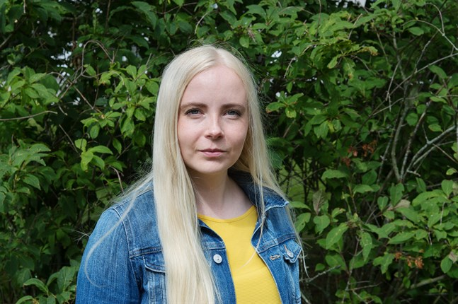 Julia Hellstrand studerade ursprungligen matematik och statistik, något som ledde henne in på demografi. I dag forskar hon i nativitet.