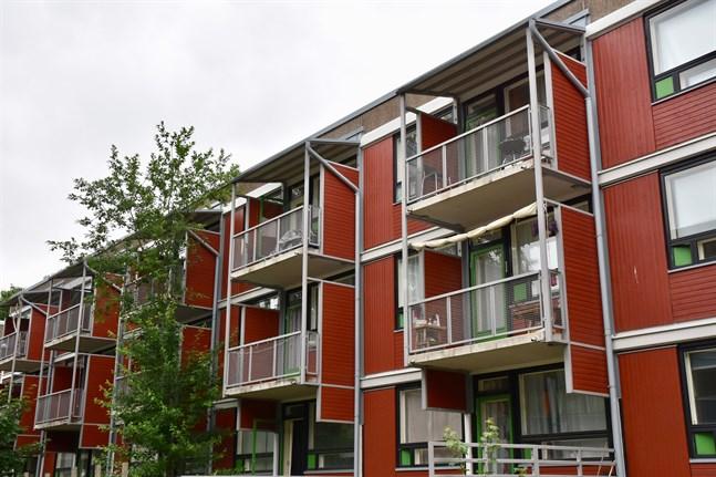 Ettor är mest populära. Studentbystiftelsen i Åbo och Stiftelsen Vasa studiebostäder tror inte att det kommer att stå tomma lägenheter i höst.